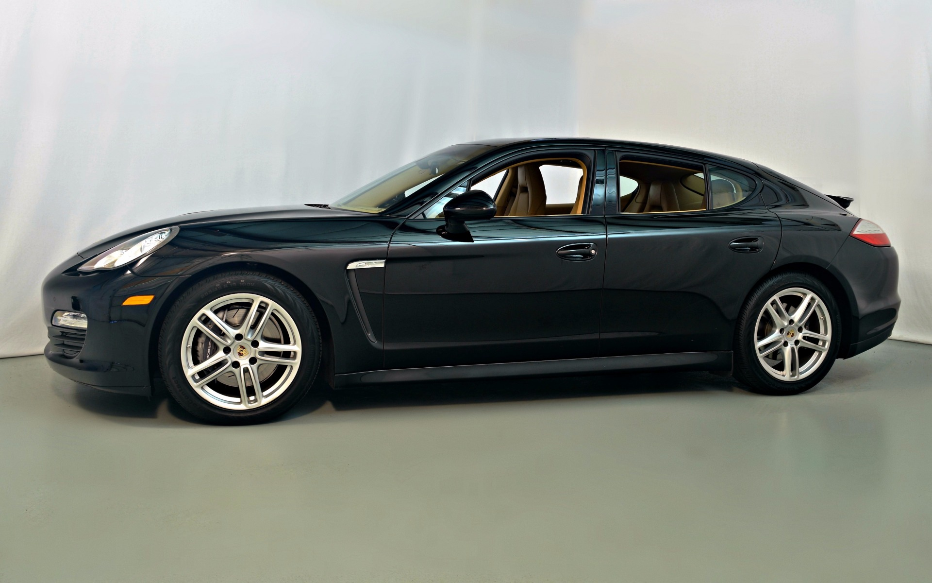 2012 porsche panamera for sale in norwell ma 014563 mclaren boston. Black Bedroom Furniture Sets. Home Design Ideas