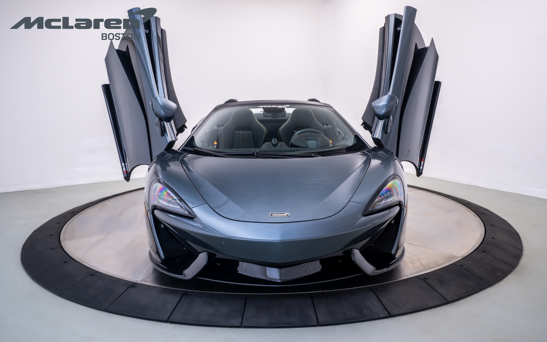 Used 2020 MCLAREN 570S Spider  | Norwell, MA