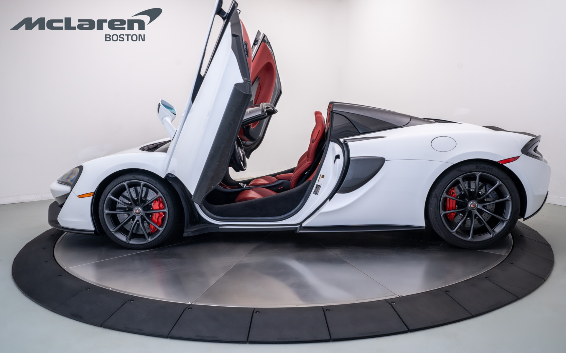 Used 2018 McLaren 570S Spider    Norwell, MA
