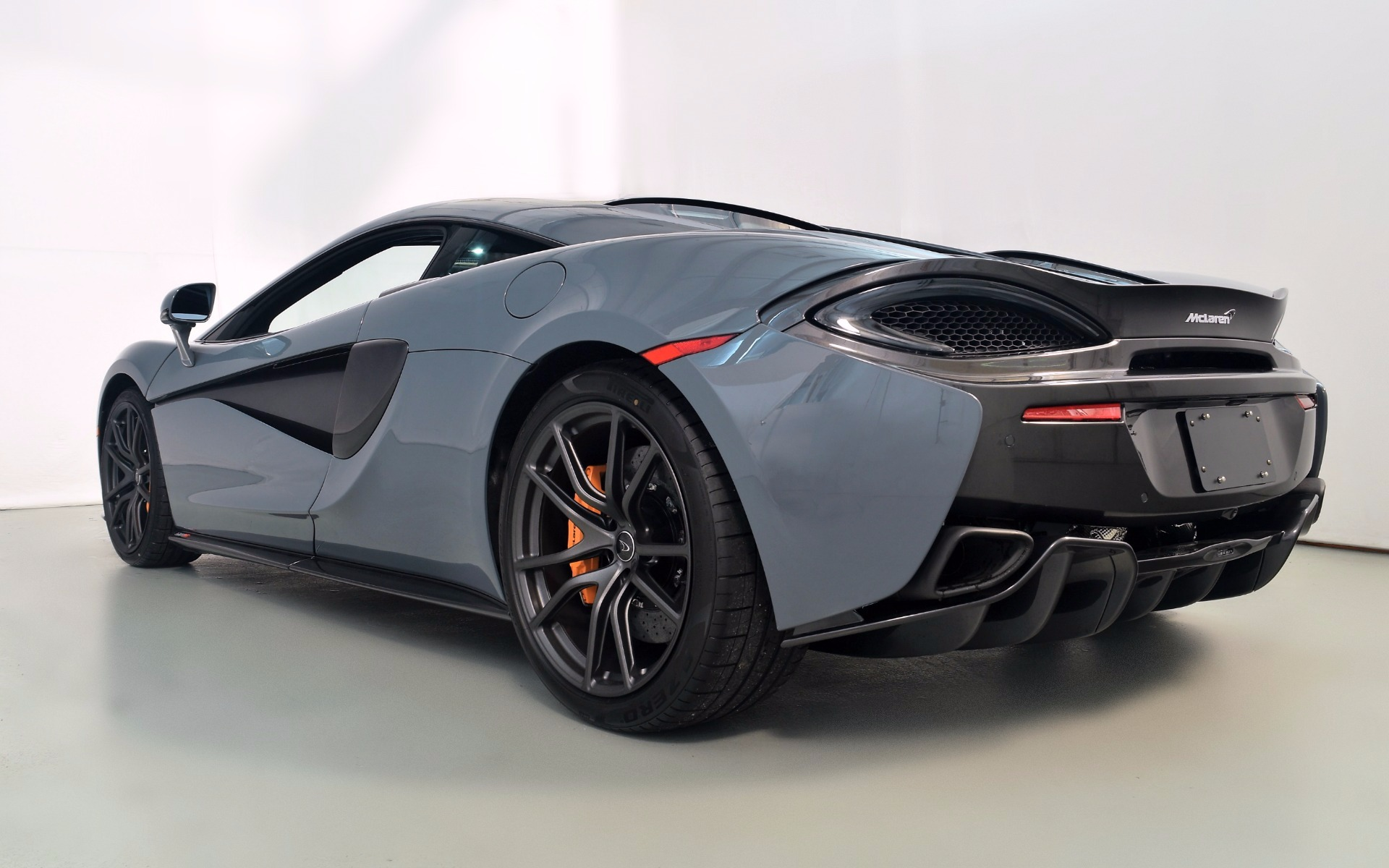 2017 mclaren 570s for sale in norwell ma 001805 mclaren boston. Black Bedroom Furniture Sets. Home Design Ideas
