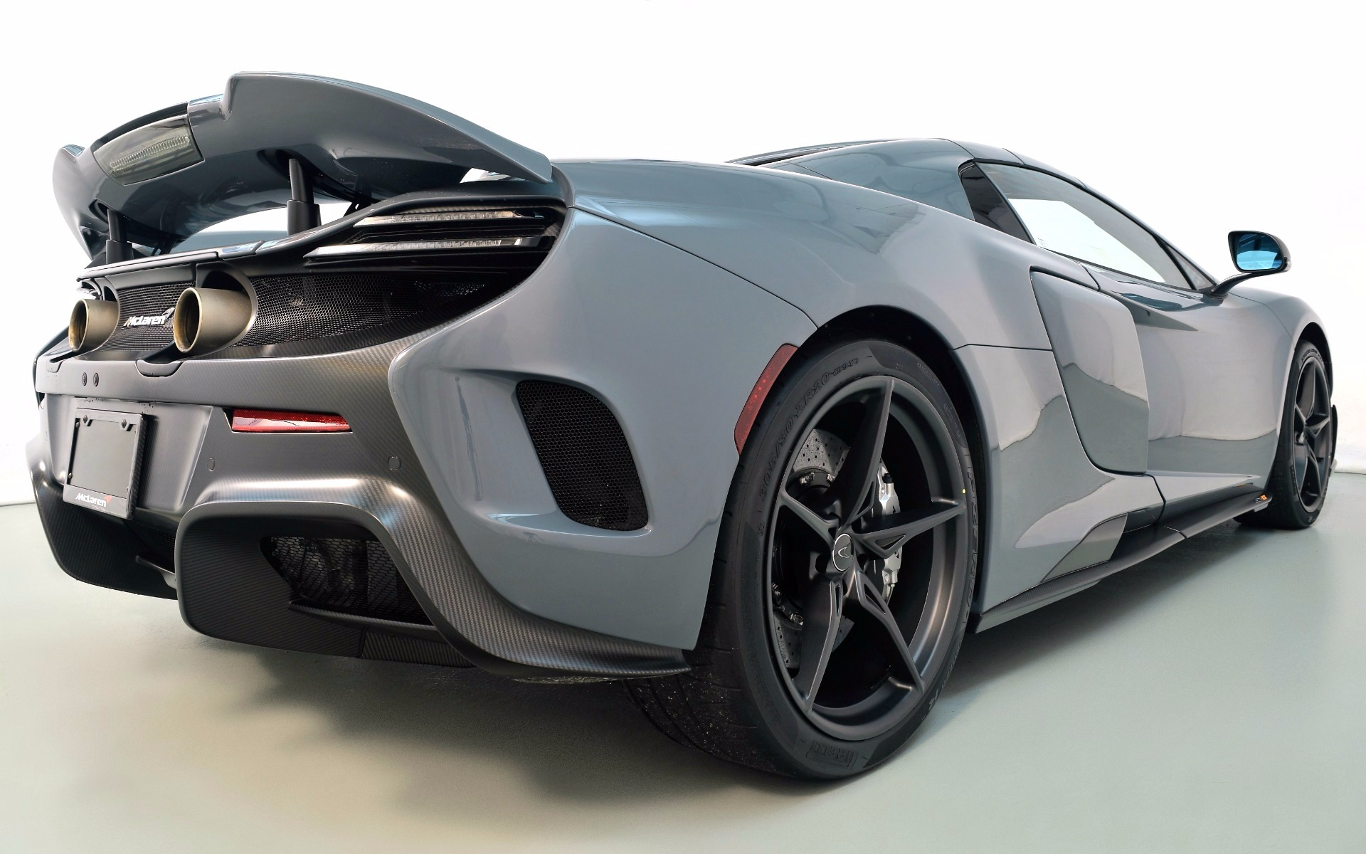 Used 2016 McLaren 675LT Spider    Norwell, MA