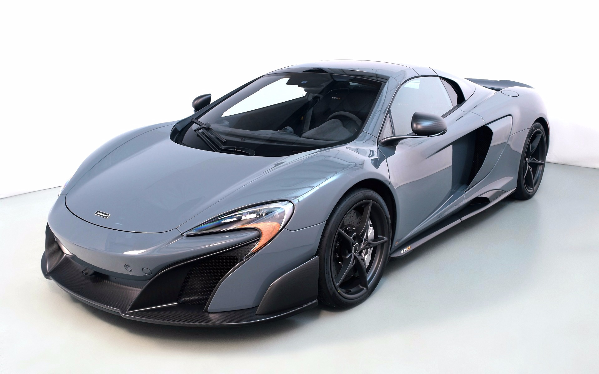 Used 2016 McLaren 675LT Spider  | Norwell, MA