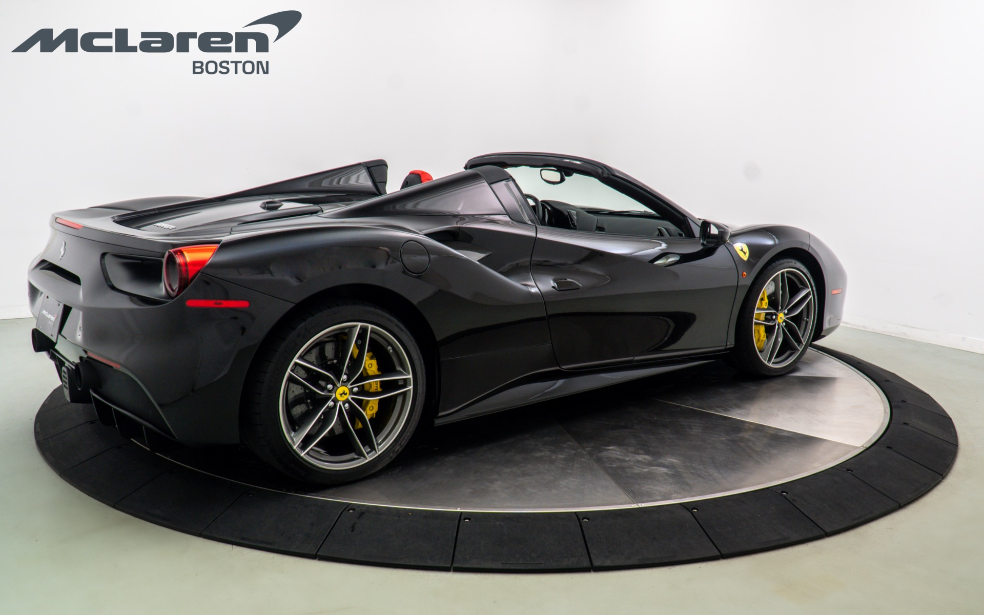 Used 2016 FERRARI 488 SPIDER  | Norwell, MA