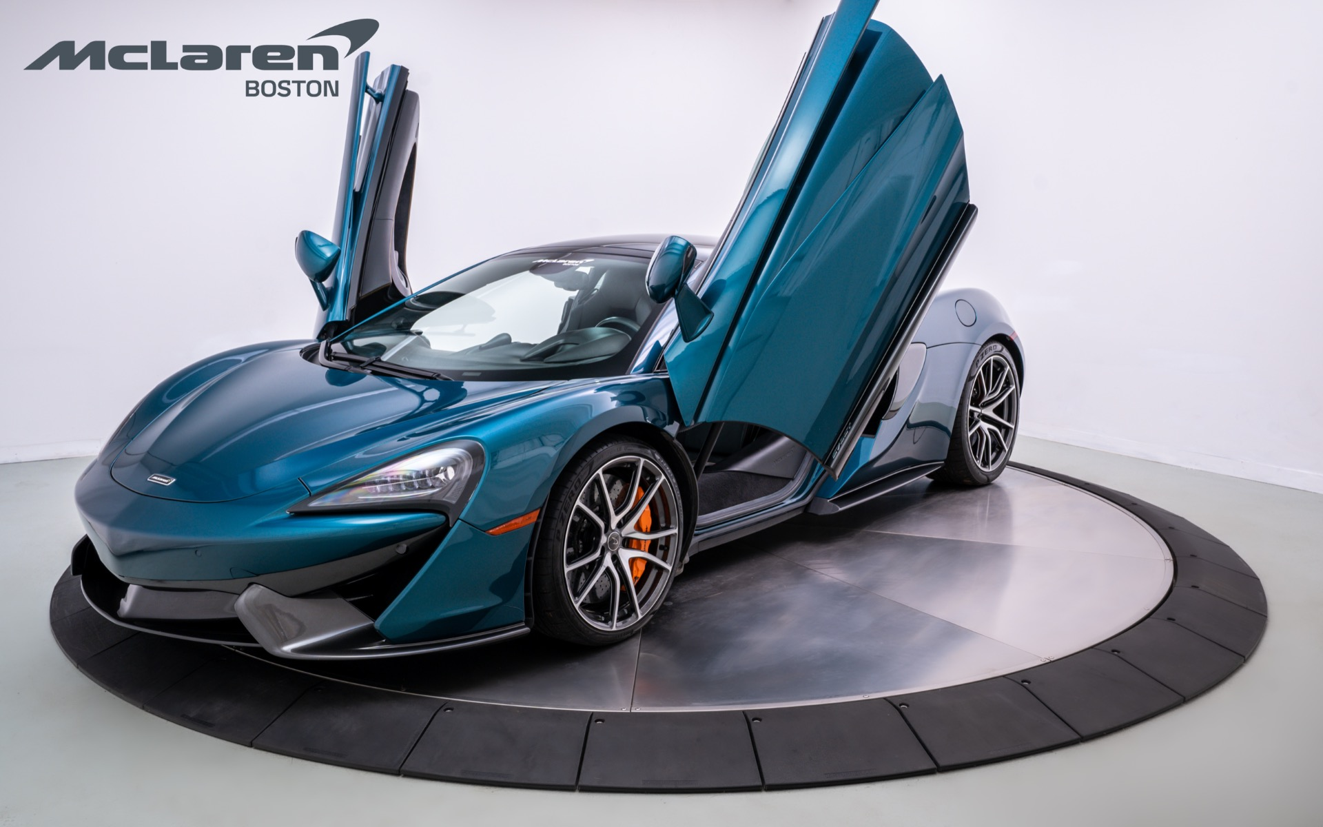 Used 2017 McLaren 570GT  | Norwell, MA