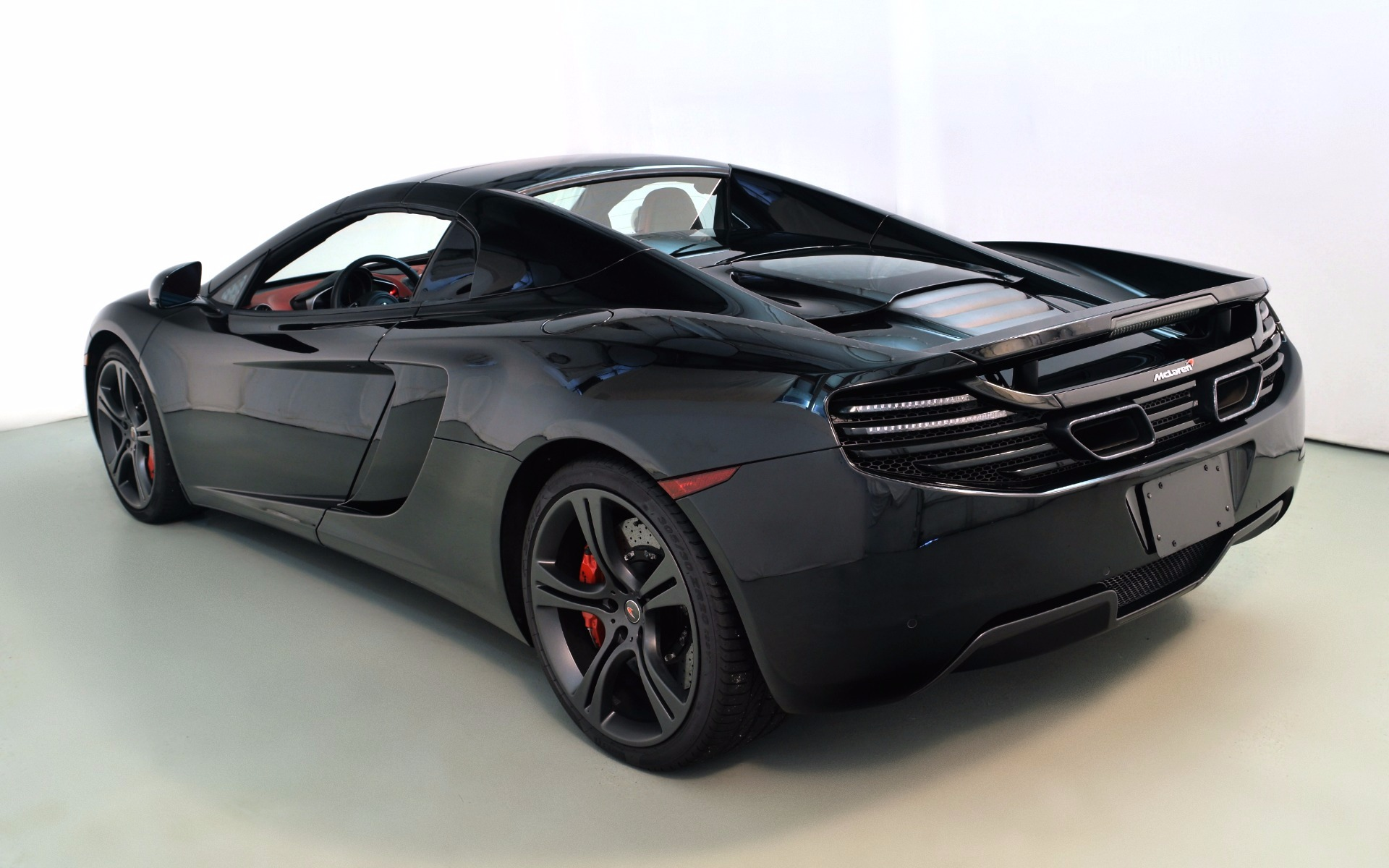 2014 mclaren mp4 12c spider for sale in norwell ma 003435 mclaren boston. Black Bedroom Furniture Sets. Home Design Ideas