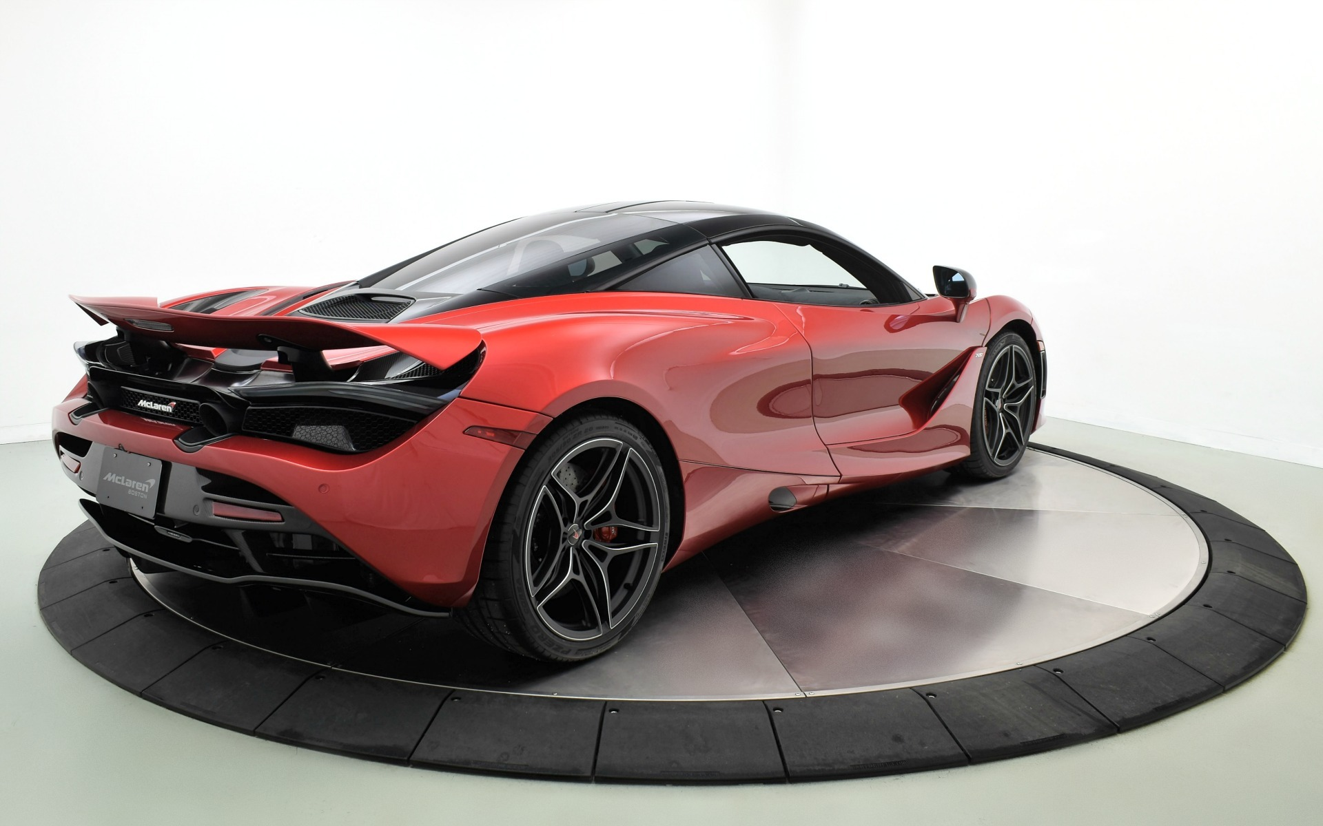 Used 2018 McLaren 720S Base | Norwell, MA