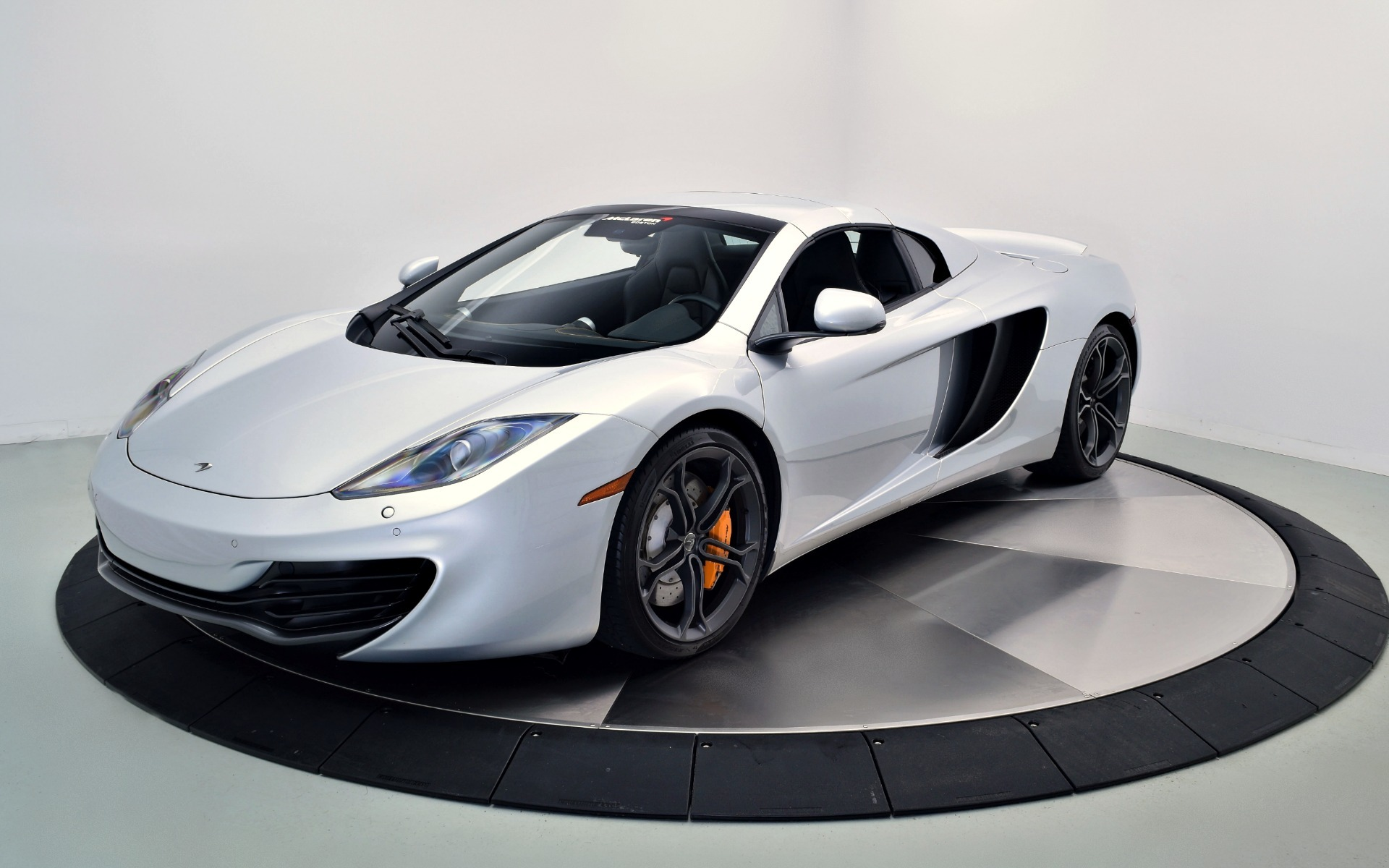 2014 mclaren mp4 12c spider for sale in norwell ma 003120. Black Bedroom Furniture Sets. Home Design Ideas