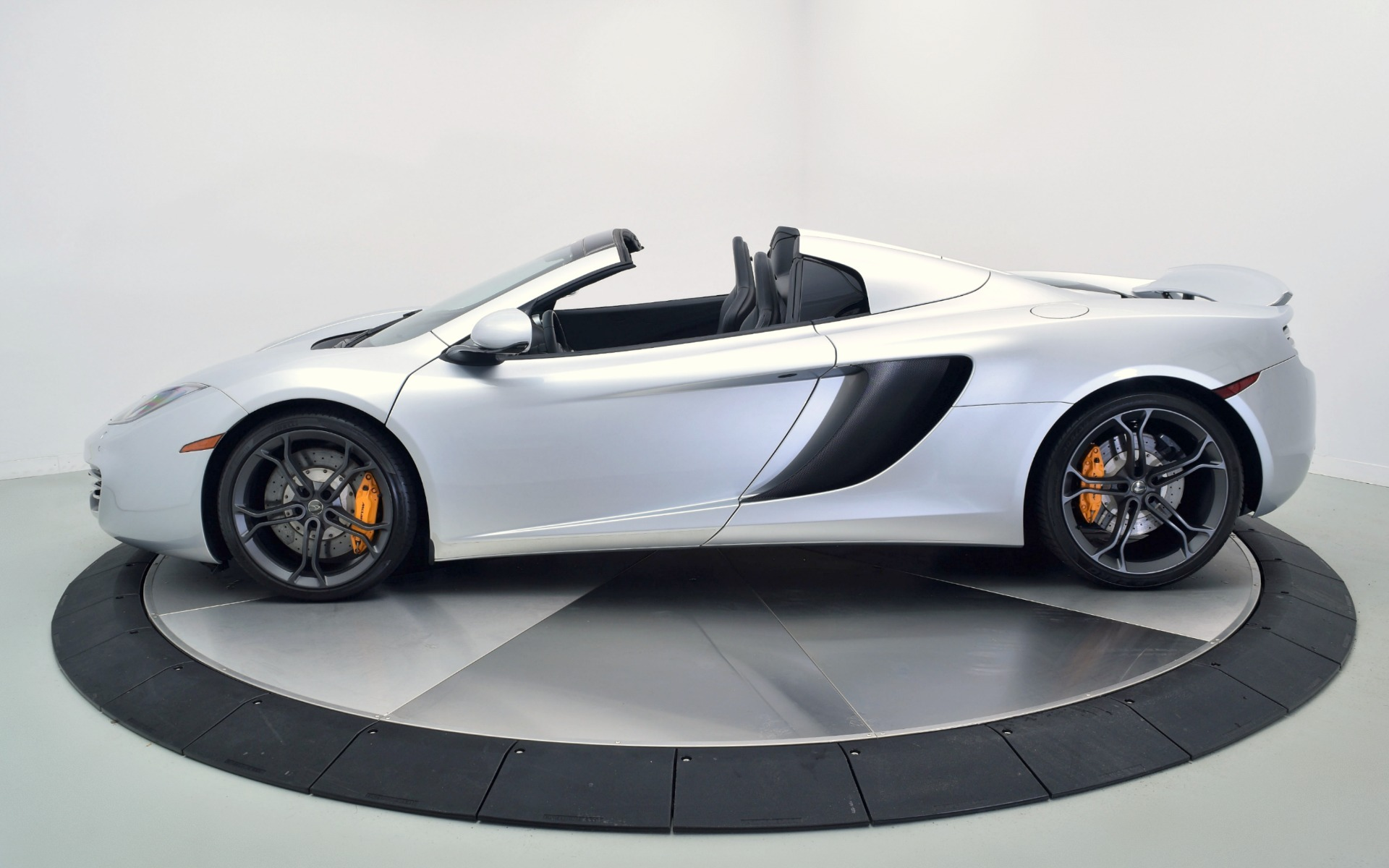 2014 mclaren mp4 12c spider for sale in norwell ma 003120 mclaren boston. Black Bedroom Furniture Sets. Home Design Ideas