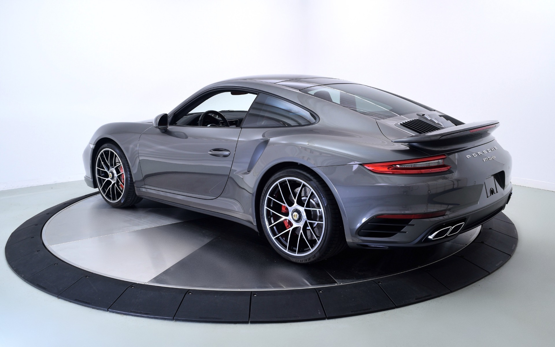 Used 2018 Porsche 911 Turbo | Norwell, MA
