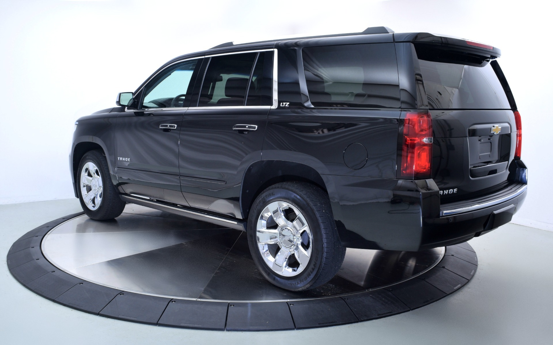 2015 chevrolet tahoe ltz for sale in norwell ma 22659 mclaren boston. Black Bedroom Furniture Sets. Home Design Ideas