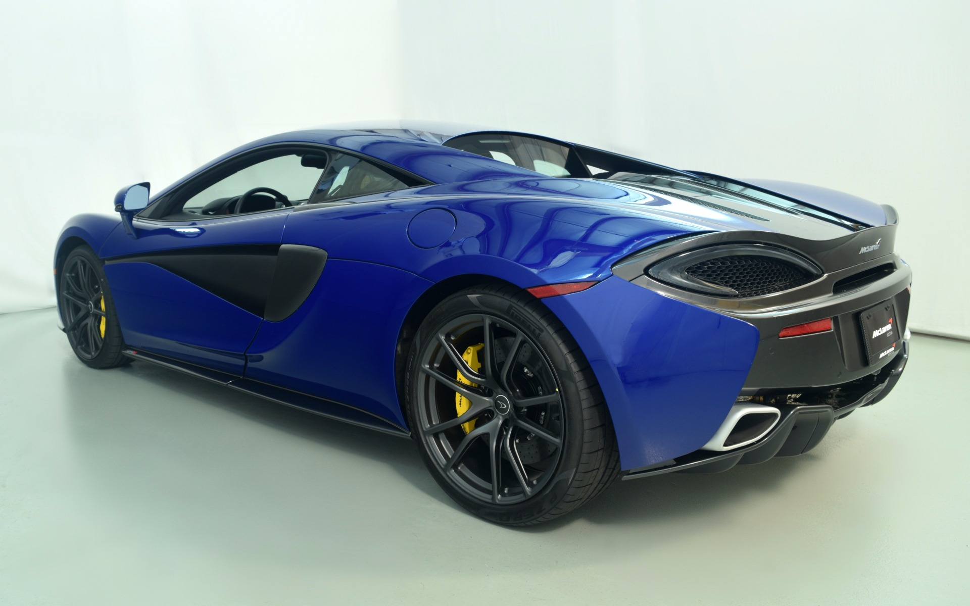2016 McLaren 570S For Sale In Norwell, MA 000718