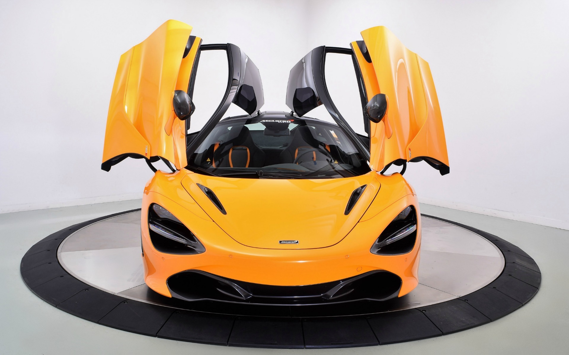 New 2019 McLaren 720S  | Norwell, MA