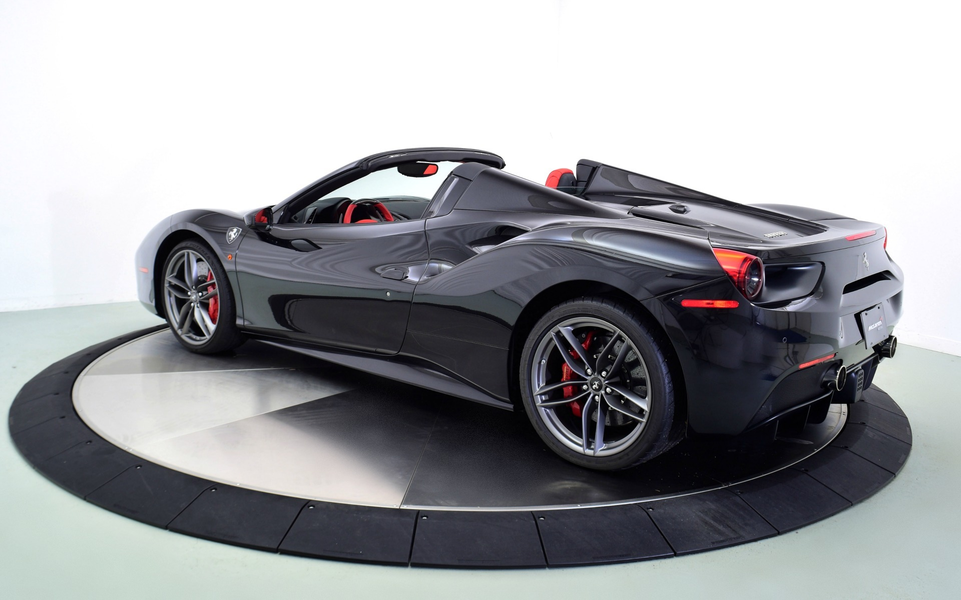 Used 2018 FERRARI 488 SPIDER  | Norwell, MA
