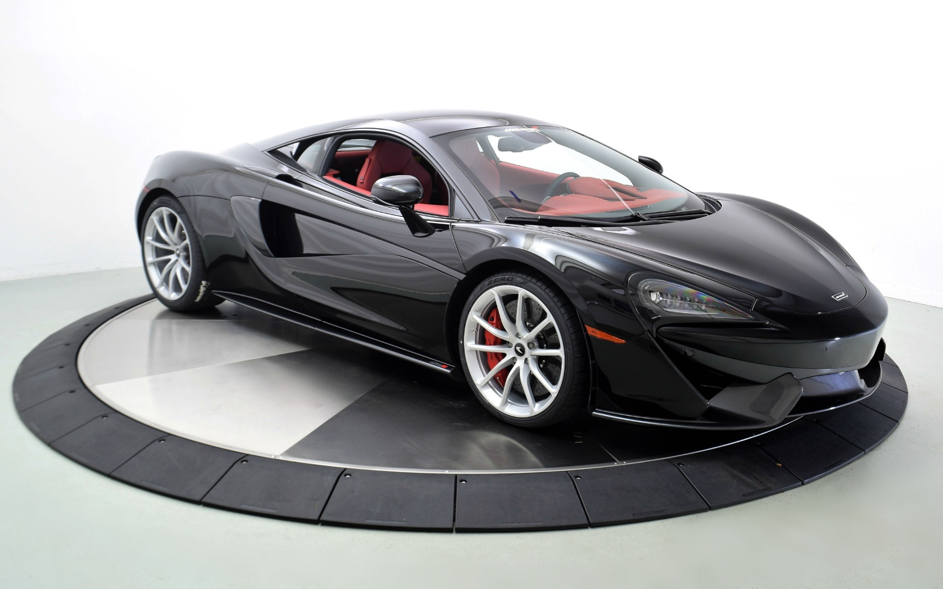 New 2019 MCLAREN 570S  | Norwell, MA